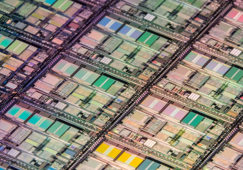China's biggest chipmaker takes on Samsung with 128-layer QLC NAND