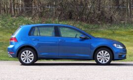 The Volkswagen Golf is dull but satisfying     – CNET