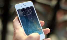 Judge rules that viewing an iPhone lock screen qualifies a a search