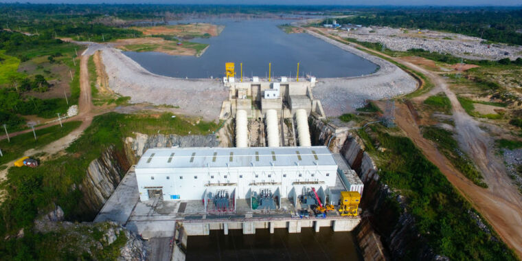 Managing hydro and other renewables as a unit to cut fossil fuel use