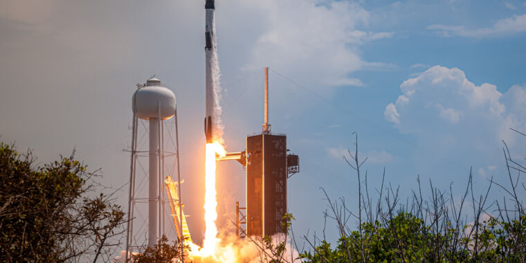 """""""The trampoline is working""""—SpaceX returns human spaceflight to America"""