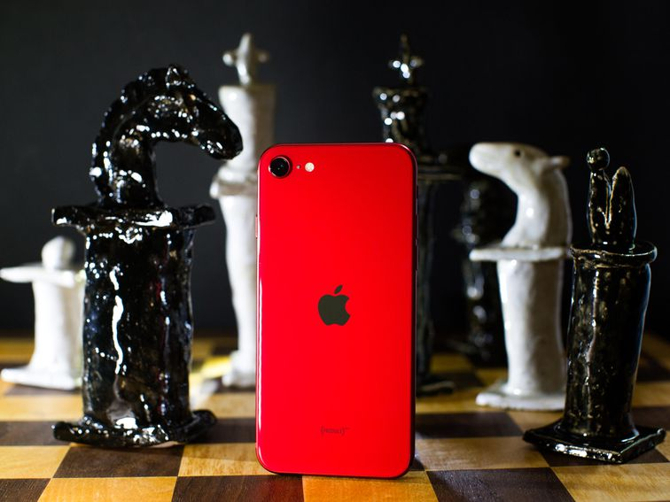iPhone SE vs. Galaxy S10E and other budget phones you can buy in 2020