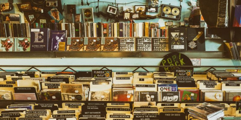 Will CDs Replace Vinyl as the New Retro-Modern Music Fad? – WhatNerd