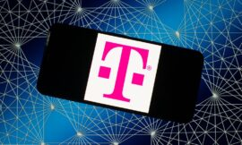 Is your T-Mobile service having issues? You're not alone