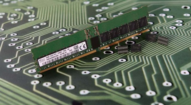 DDR5 Memory Specification Finalized: Up to 6400GT/s, 2TB LRDIMMs