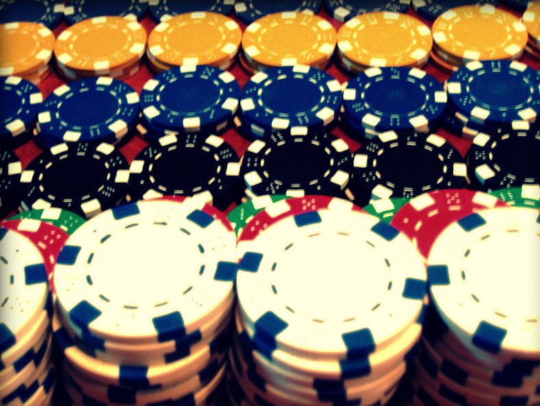 Facebook develops AI algorithm that learns to play poker on the fly