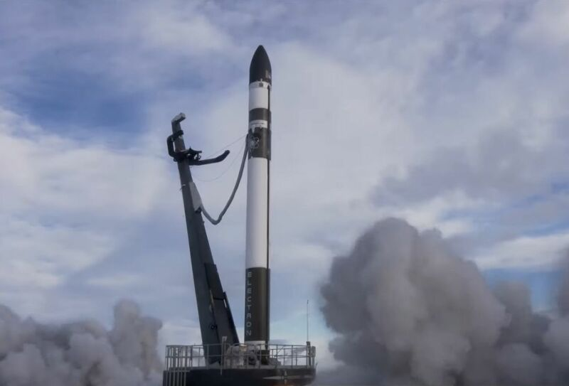 After a second stage failure, Rocket Lab loses seven satellites