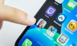 Apple removes 'Fortnite' from App Store following direct payment push