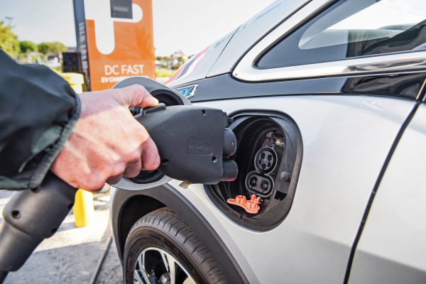 ChargePoint raises $127M as electric vehicle adoption grows among fleet operators – TechCrunch
