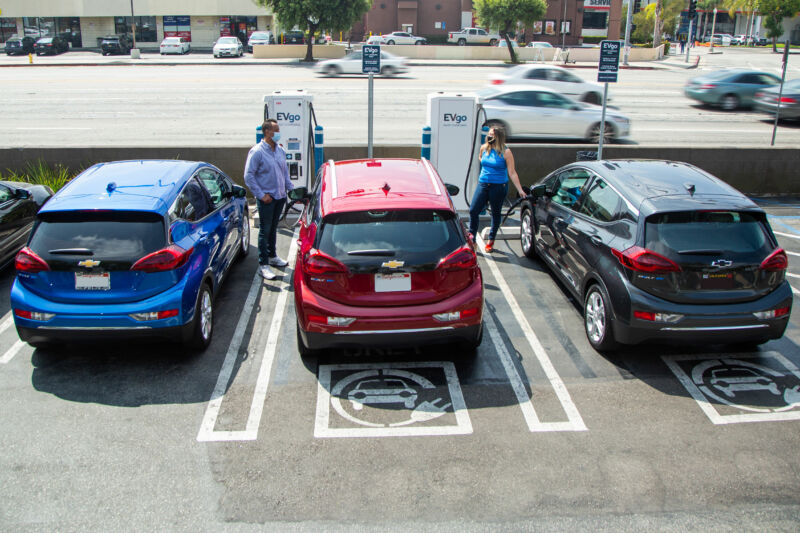 GM teams up with EVgo to deploy more than 2,700 new DC fast chargers