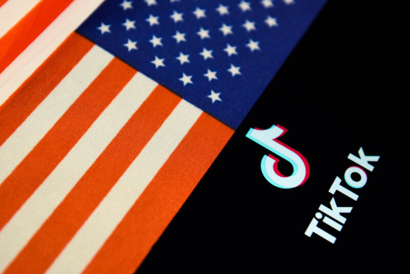 Trump administration gives TikTok 45 days to sell to Microsoft or leave US [Updated]
