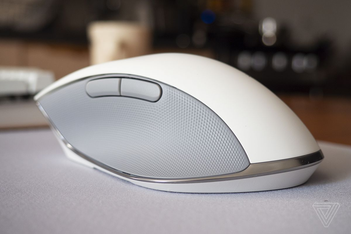 Razer's Pro Click wireless mouse puts ergonomics ahead of gaming features
