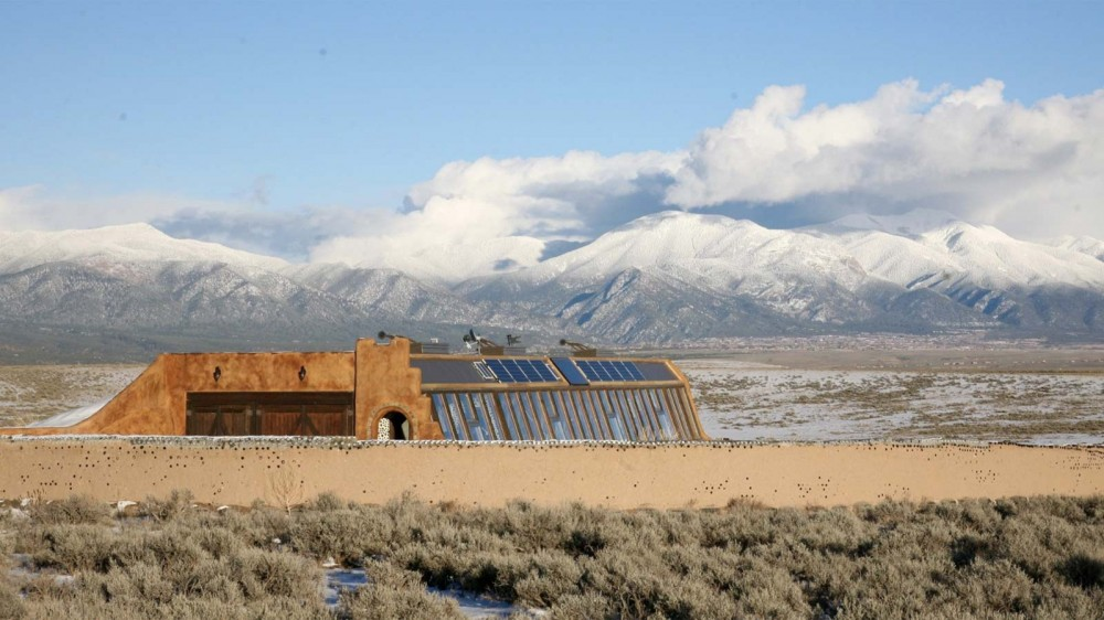 Curious About Living in an 'Earthship' Home? You Can Rent One – LifeSavvy