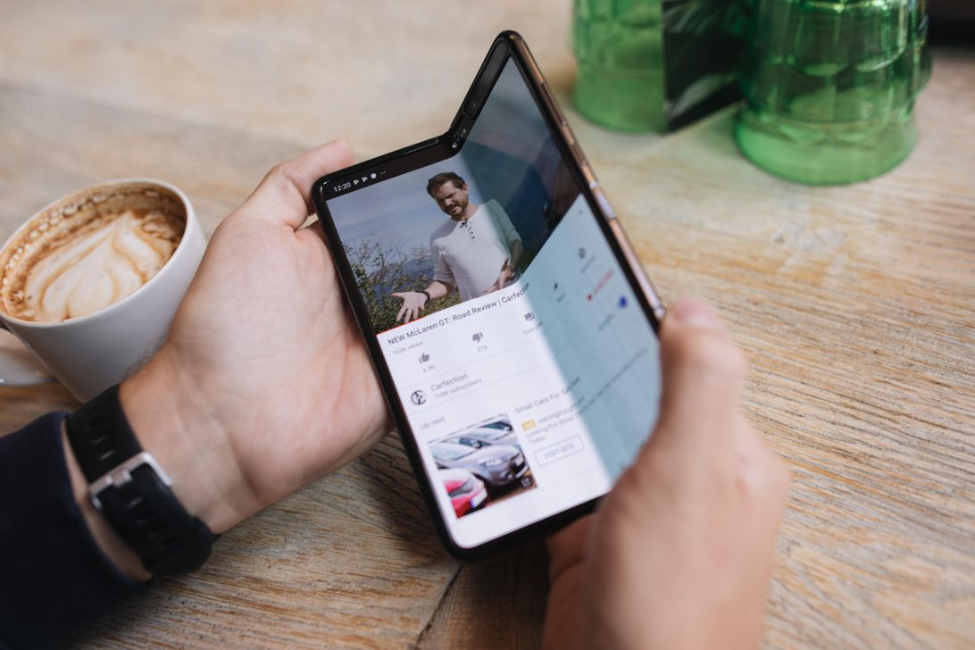 24 hours with Galaxy Fold: What it's like to use Samsung's first foldable phone for a day