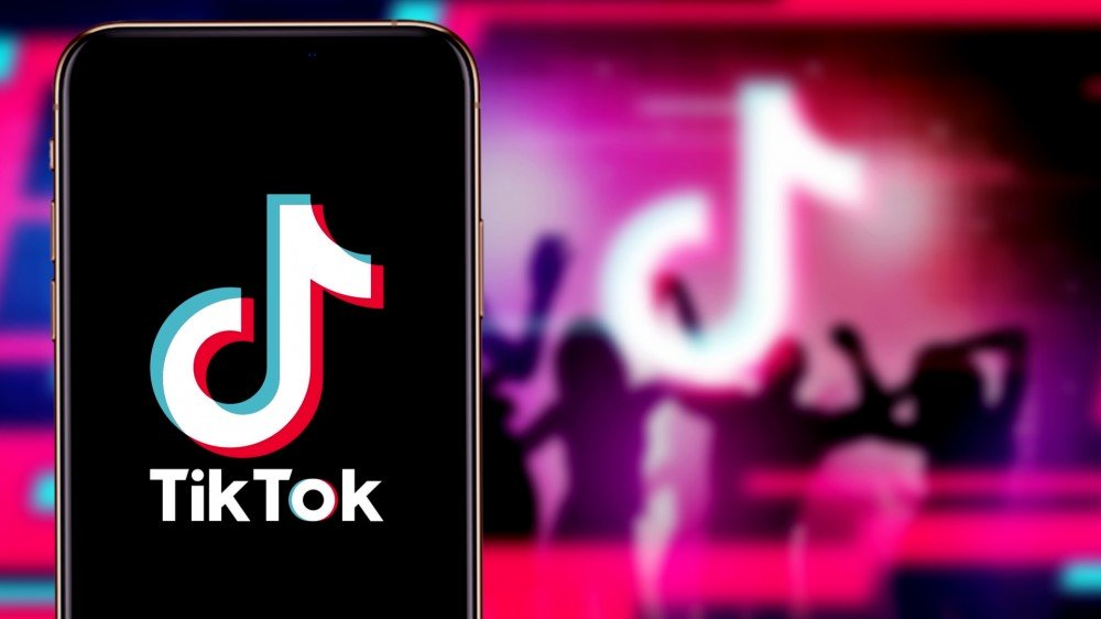 TikTok And WeChat Banned From App Store Downloads Starting September 20 – Review Geek