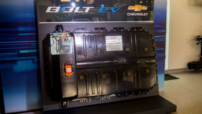 Feds to investigate the Chevrolet Bolt EV after three fires