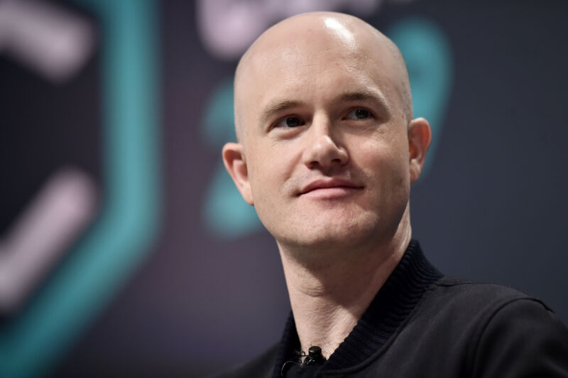 """Sixty Coinbase employees take buyout offer over """"no politics"""" rule"""
