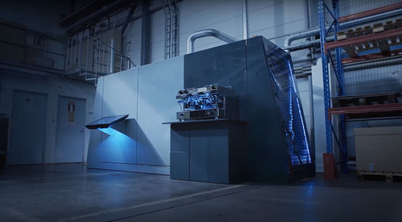This machine takes office-air CO₂ and turns it into fuel
