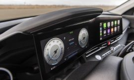 Wireless CarPlay Expands to More New Vehicles Amid Rumors of Portless iPhone Next Year