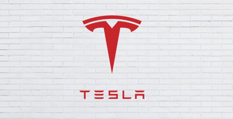 Tesla's touchscreen trouble: NHTSA asks for recall of Models S and X