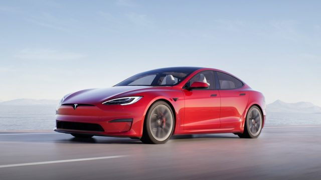 Read more about the article Tesla Revamps Model S Sedan Inside and Out, Adds 520-Mile Version