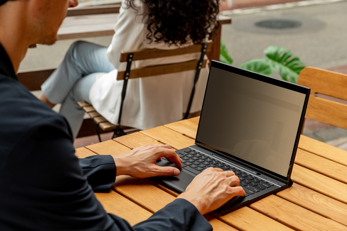 HP's Elite Folio is what happens when you mix the Spectre Folio with the Surface Pro X