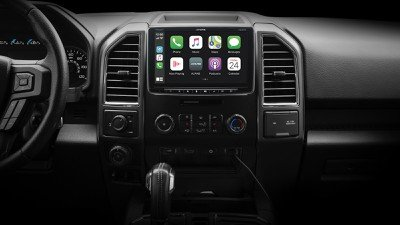 Read more about the article Alpine's Latest CarPlay Receiver Has a 9-Inch Display Hovering Over the Dashboard