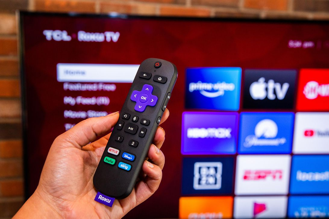Read more about the article Roku rechargeable Voice Remote Pro listens for 'Hey Roku' voice commands, costs $30