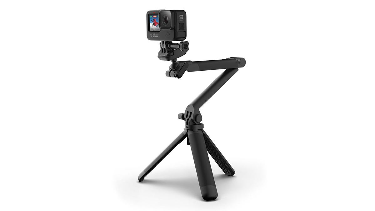 GoPro's New 3-Way 2.0 Mount is a Better Tripod, Selfie Stick, and Grip – Review Geek