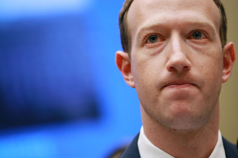Read more about the article Leaked documents reveal the special rules Facebook uses for 5.8M VIPs