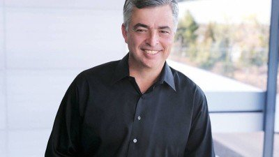 Read more about the article Apple's Eddy Cue Reportedly Advising Tom Brady's New NFT Company