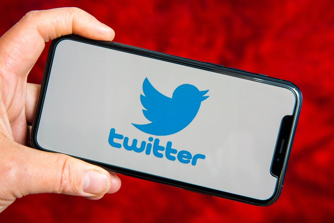Read more about the article Twitter rolls out auto captions for voice tweets after accessibility backlash
