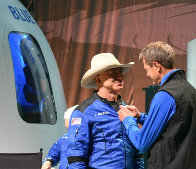 Read more about the article Who's an astronaut? FAA wades into a murky issue for spacefliers