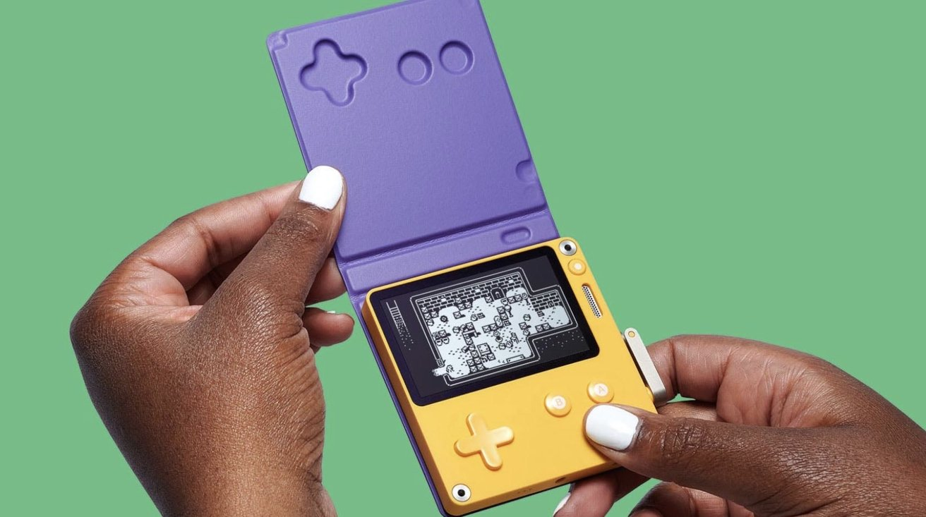 Read more about the article Playdate handheld game console preorders start July 29