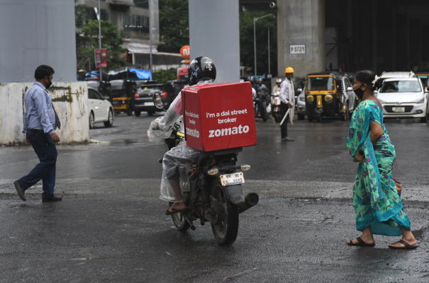 Read more about the article Food delivery firm Zomato surges 65% in key India debut – TechCrunch