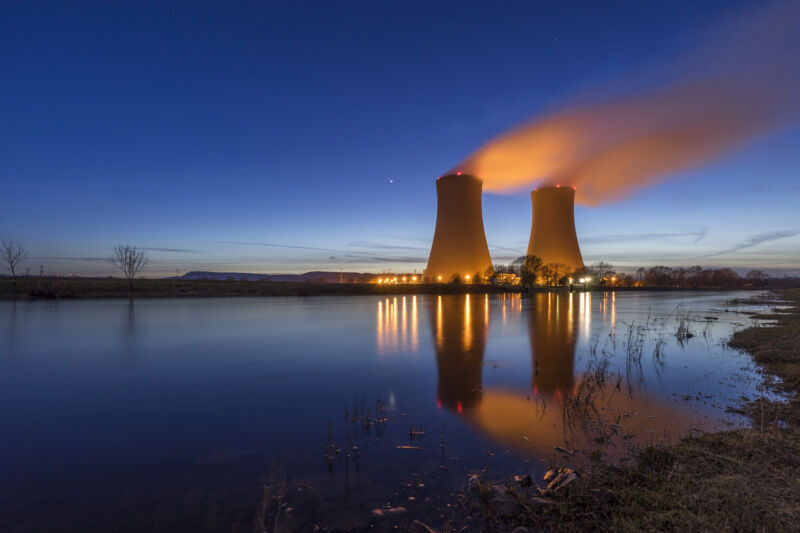 Read more about the article Nuclear power's reliability is dropping as extreme weather increases