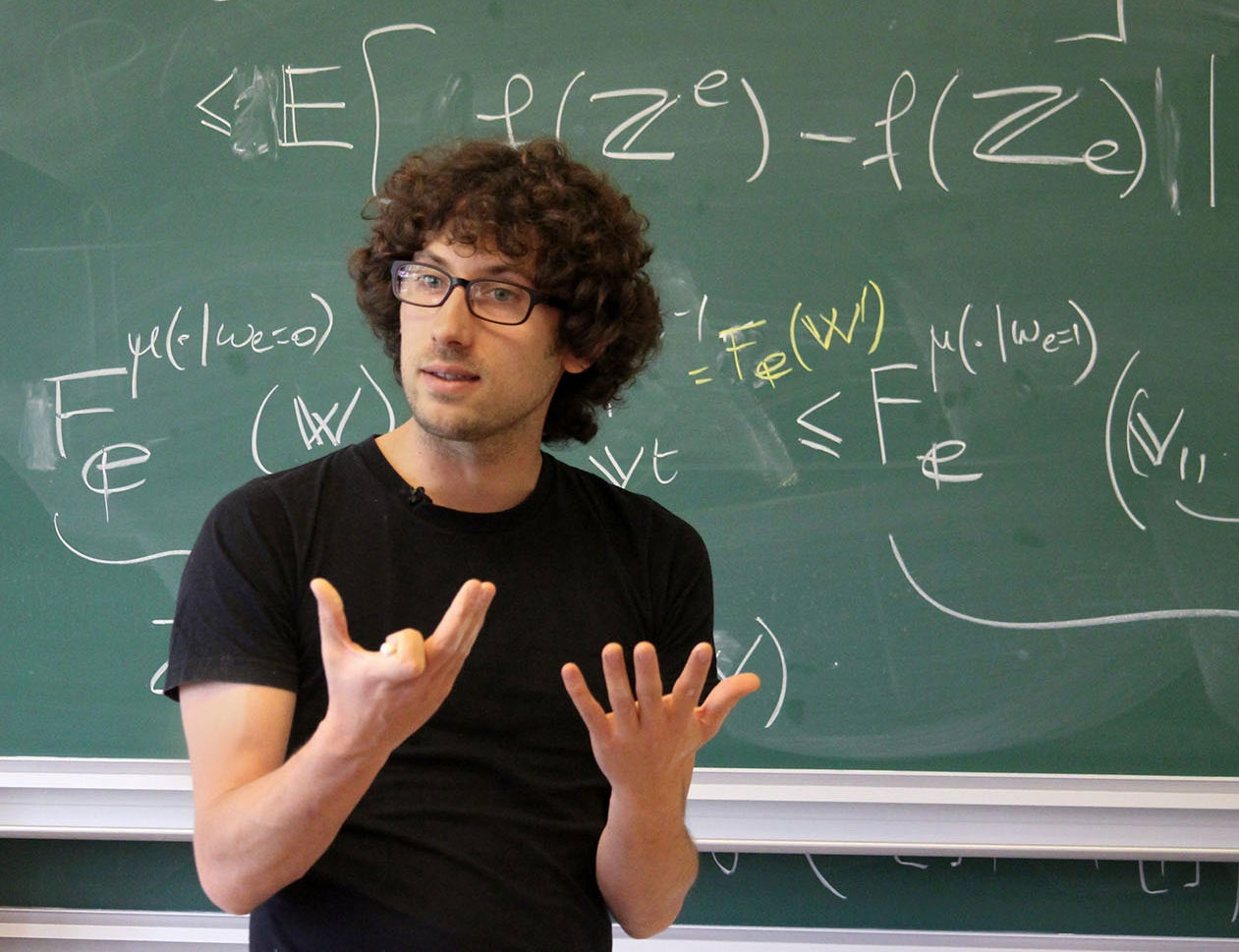 Read more about the article Mathematicians Prove Symmetry of Phase Transitions