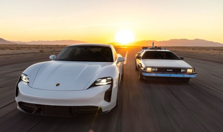 Read more about the article On Back to the Future day, Porsche celebrates 1.21 GW charging capacity