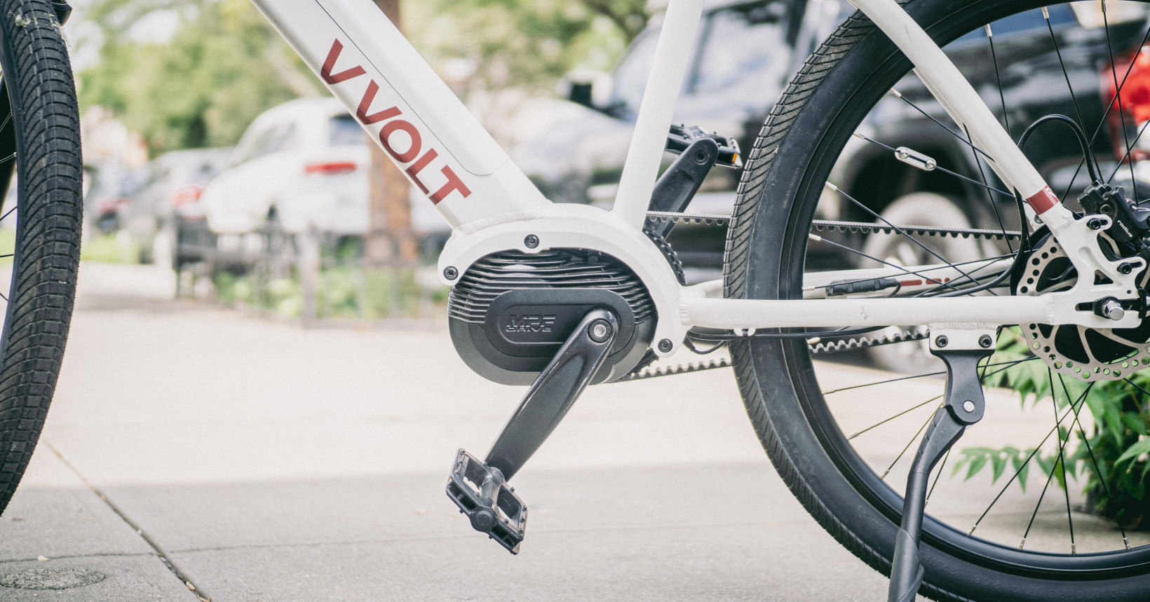 Read more about the article This low-maintenance ebike is like riding on a cloud