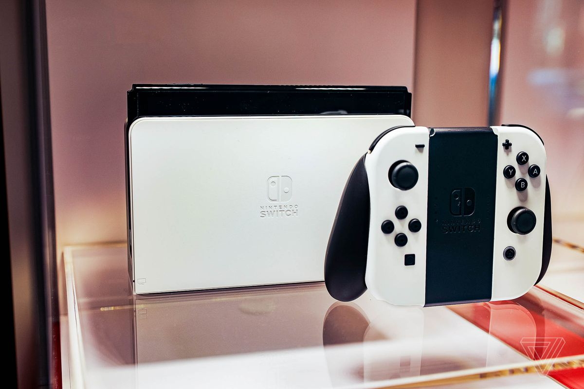 Read more about the article The PS5 is the first console to outsell the Nintendo Switch in nearly three years